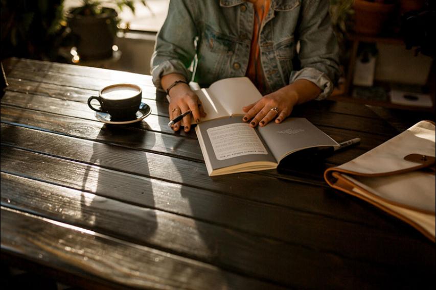 Τα οφέλη του διαβάσματος στην αυτοαπομόνωση
